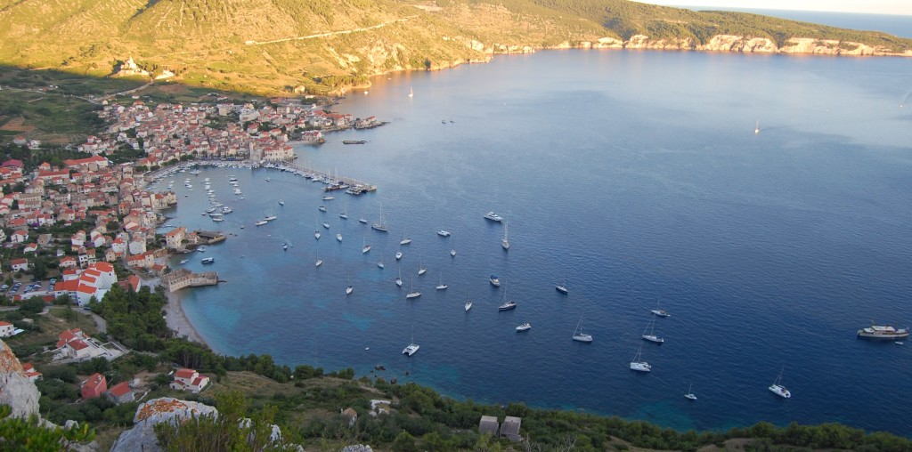 antropoti-yachts-croatia-party-sailing-komiza