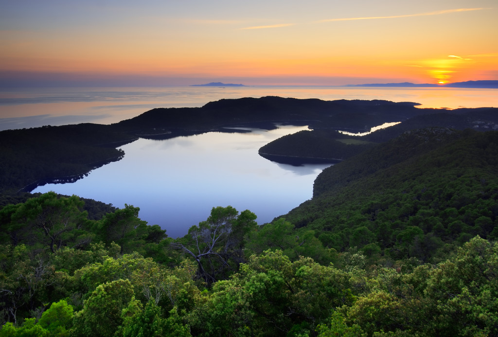 antropoti-yachts-croatia-party-sailing-mljet