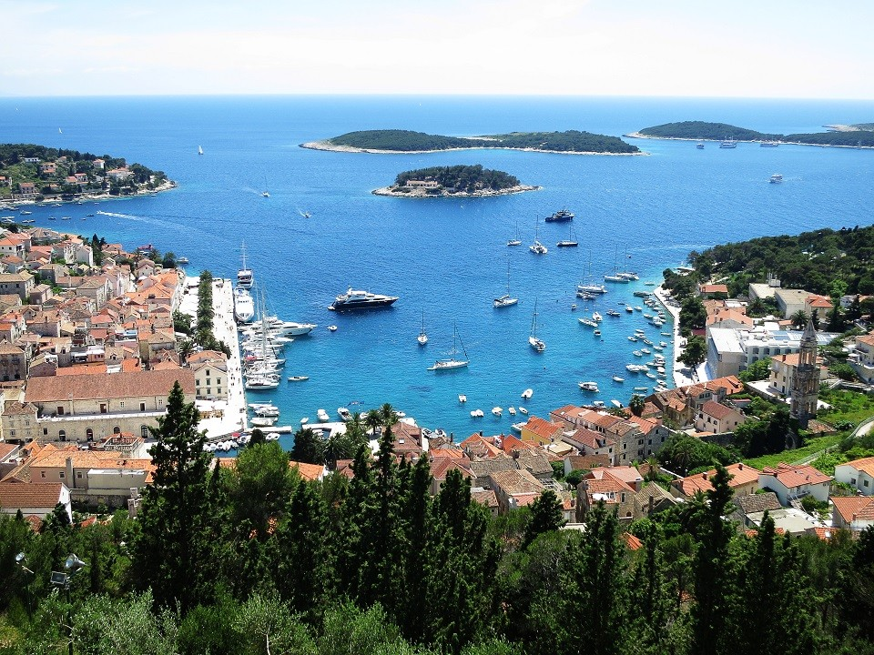 Antropoti-Travels-View-from-Hvar-fortress960