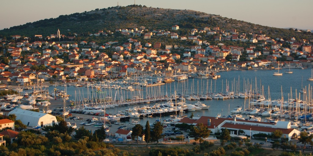 antropoti-yachts-croatia-party-sailing-murter