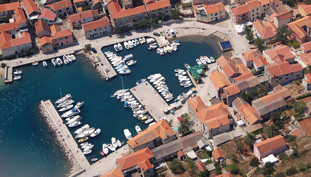 antropoti-yachts-croatia-party-sailing-sali