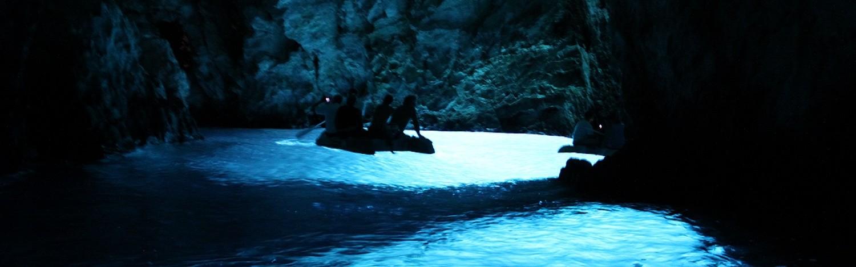 Blue-cave-vis-antropoti-yachts- croatia