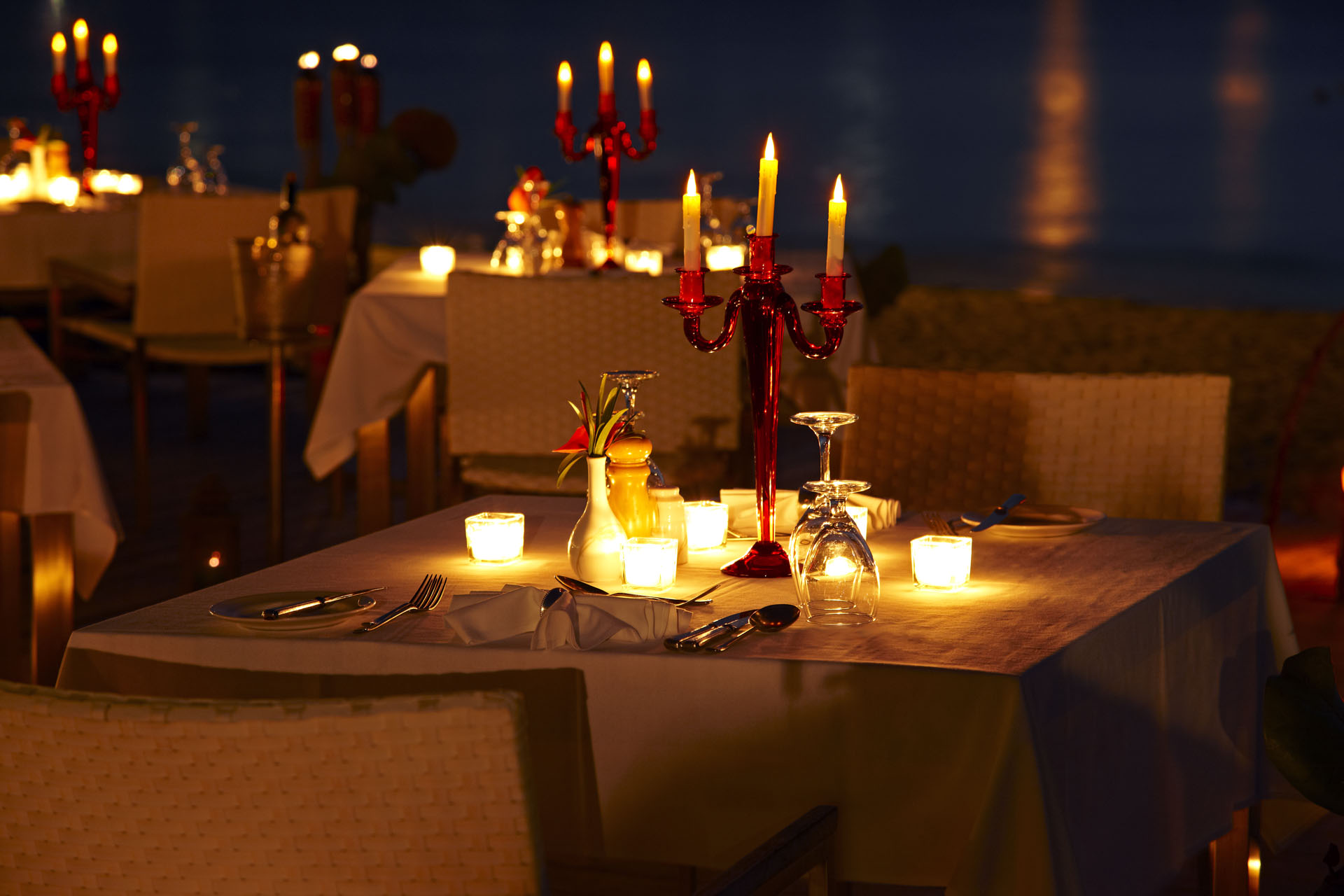 private-island-dining