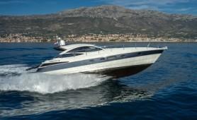 motor-yacht-Pershing-46-antropoti-yacht-concierge ( (3)